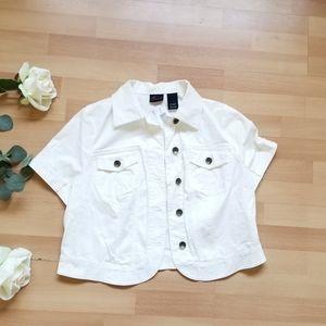 White short sleeved cropped denim jacket nwt E4